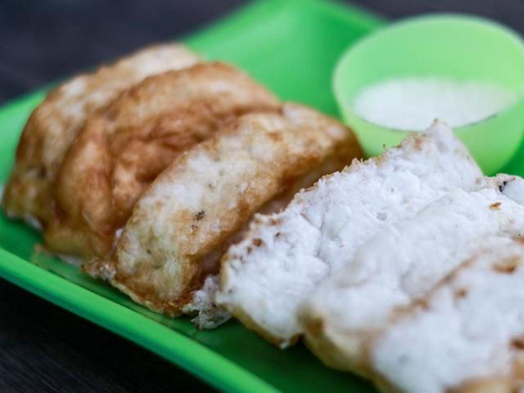 Kue Bandros atau Kue Pancong, Ini Resepnya!
