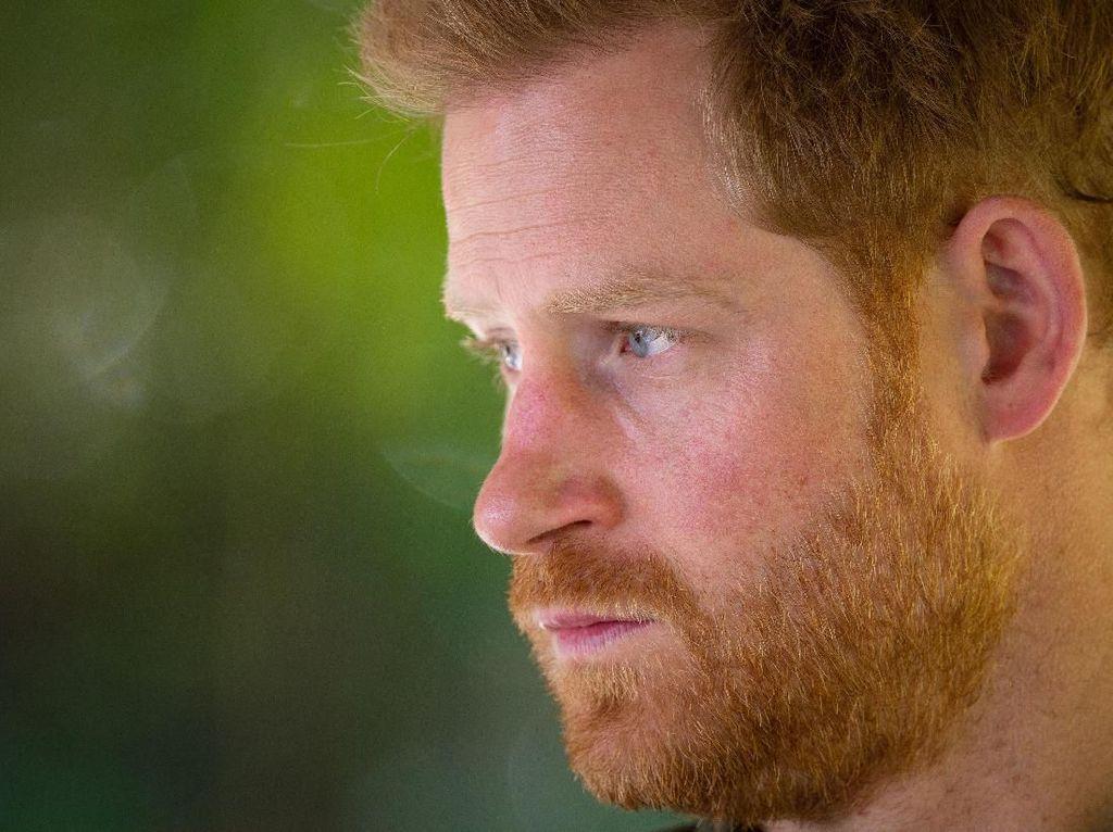 Pangeran Harry Dikabarkan Tiba di Inggris untuk Hadiri Pemakaman