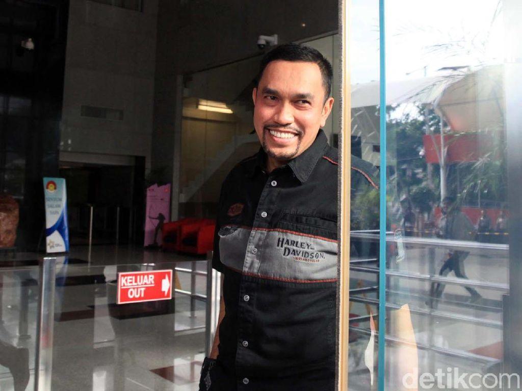 Senyum Crazy Rich Tanjung Priok Usai Diperiksa 2 Jam