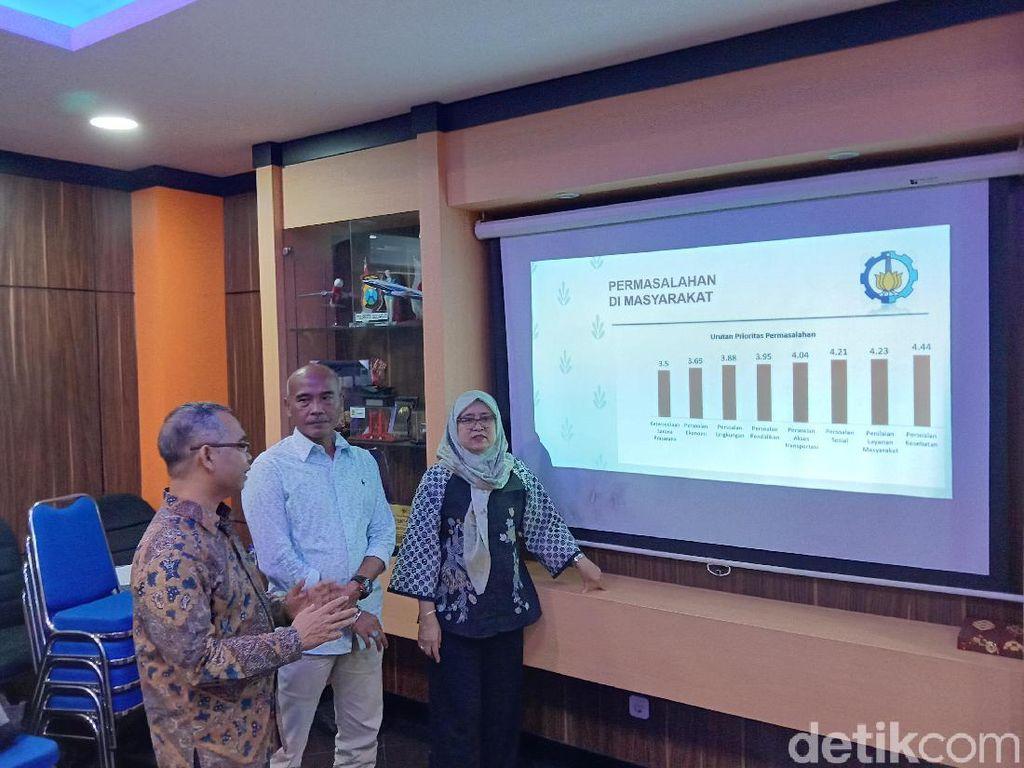 Sosok Seperti Risma Masih Dibutuhkan Warga Surabaya