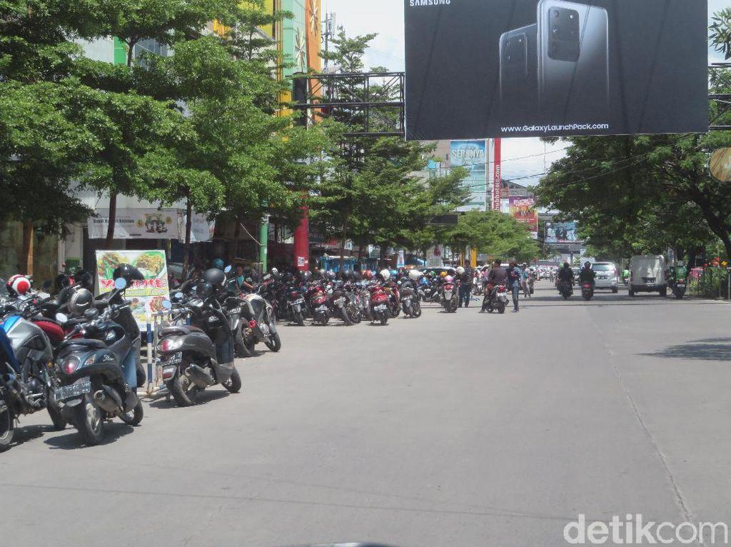 Ketua DPRD Makassar Minta Perusahaan Daerah Ambil Alih Parkir Liar