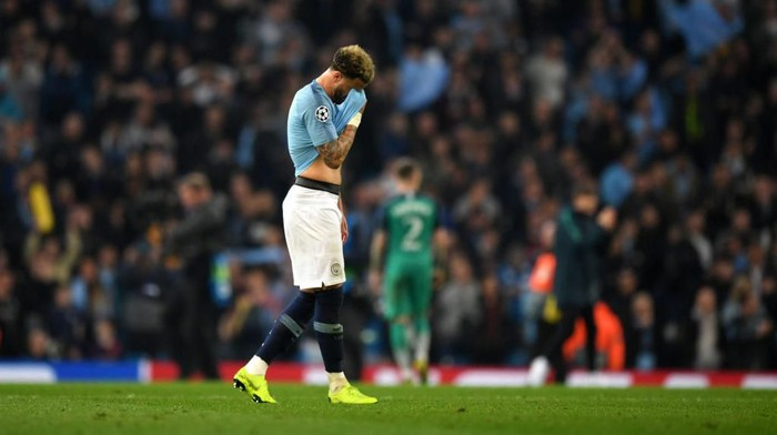 MANCHESTER, ENGLAND - APRIL 17:  Kyle Walker of Manchester City is dejected after the final whistle the UEFA Champions League Quarter Final second leg match between Manchester City and Tottenham Hotspur at at Etihad Stadium on April 17, 2019 in Manchester, England. (Photo by Shaun Botterill/Getty Images)