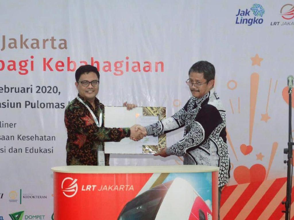 Layanan Jasa Perbankan di LRT Jakarta