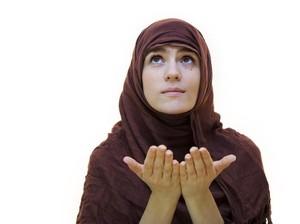 Doa Mohon Pertolongan Allah dari Kesulitan, Sakit, dan Utang