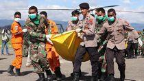 Evakuasi 12 Jenazah Korban Heli MI-17 di Papua