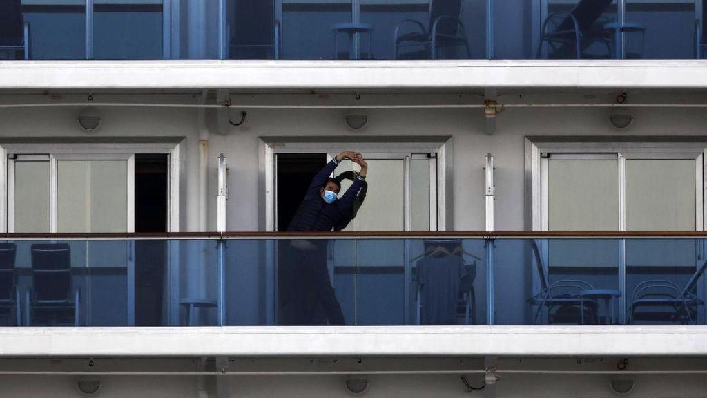 Mengintip Aktivitas Penumpang Kapal Pesiar yang Dikarantina Jepang