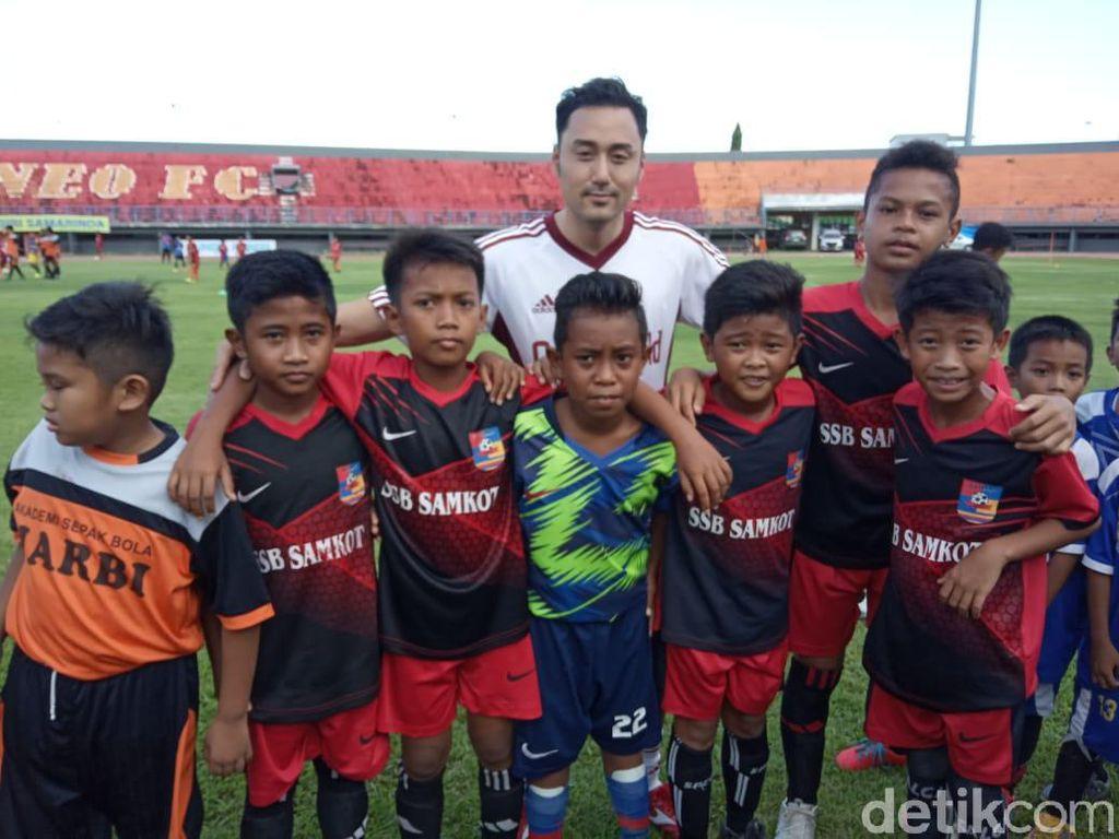 Pemain-pemain Jepang Bikin Laga Amal bersama Borneo FC