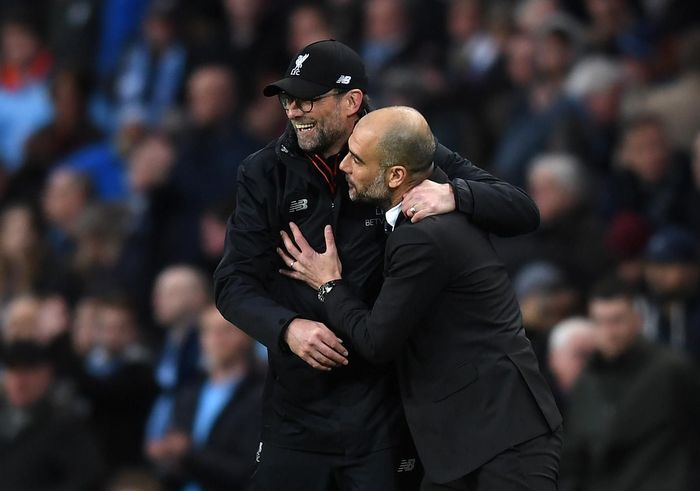 MANCHESTER, ENGLAND - MARCH 19:  Jurgen Klopp, Manager of Liverpool (L) and Josep Guardiola, Manager of Manchester City (R) embrace after the Premier League match between Manchester City and Liverpool at Etihad Stadium on March 19, 2017 in Manchester, England.  (Photo by Michael Regan/Getty Images)