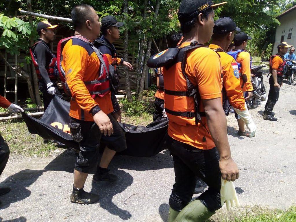 Santri Magetan Hanyut Saat Sungai Meluap, Mayatnya Ditemukan di Madiun
