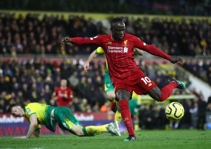 NORWICH, ENGLAND - FEBRUARY 15: Sadio Mane of Liverpool scores his teams first goal during the Premier League match between Norwich City and Liverpool FC at Carrow Road on February 15, 2020 in Norwich, United Kingdom. (Photo by Julian Finney/Getty Images)