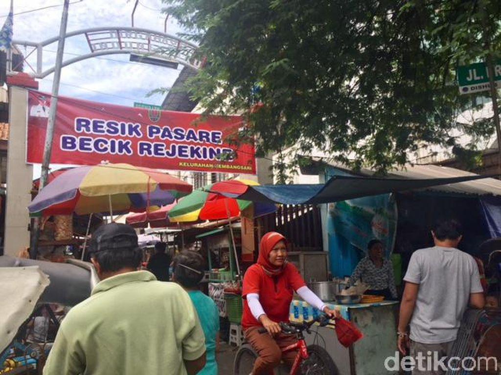 Jajan Sarapan Enak di Pasar Prembaen