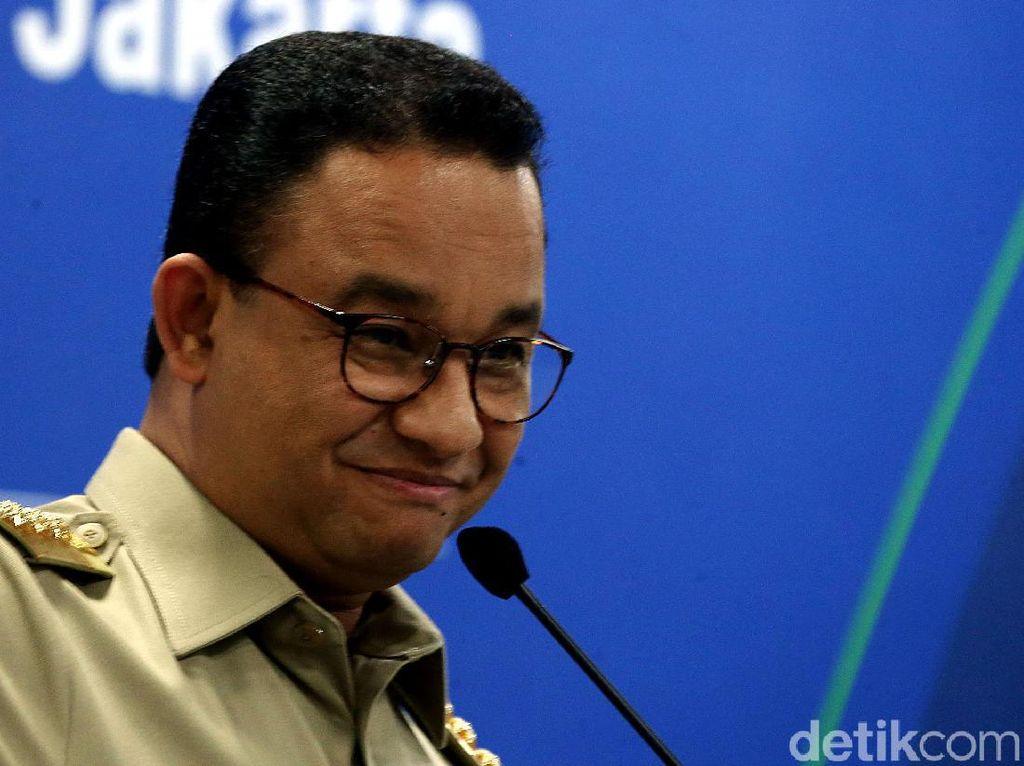 Anies Baswedan Diapit Ganjar dan Prabowo