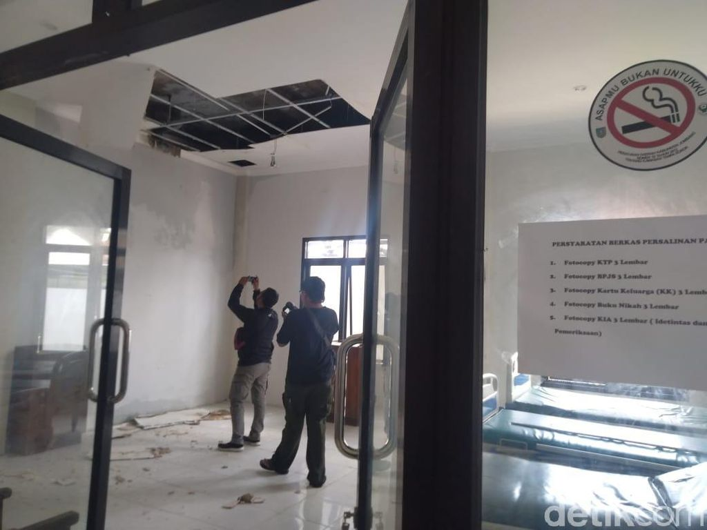 Plafon Ruang Rawat Inap Puskesmas di Jombang Ambrol, Pasien Direlokasi