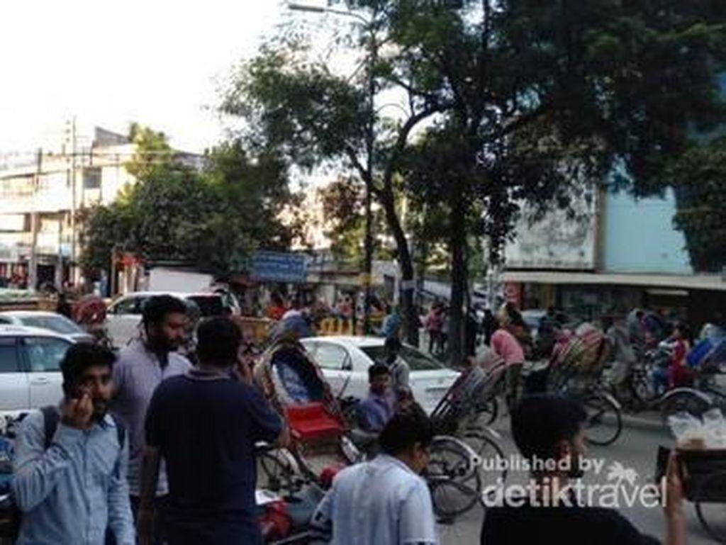 Hiruk-pikuk Ibu Kota Bangladesh