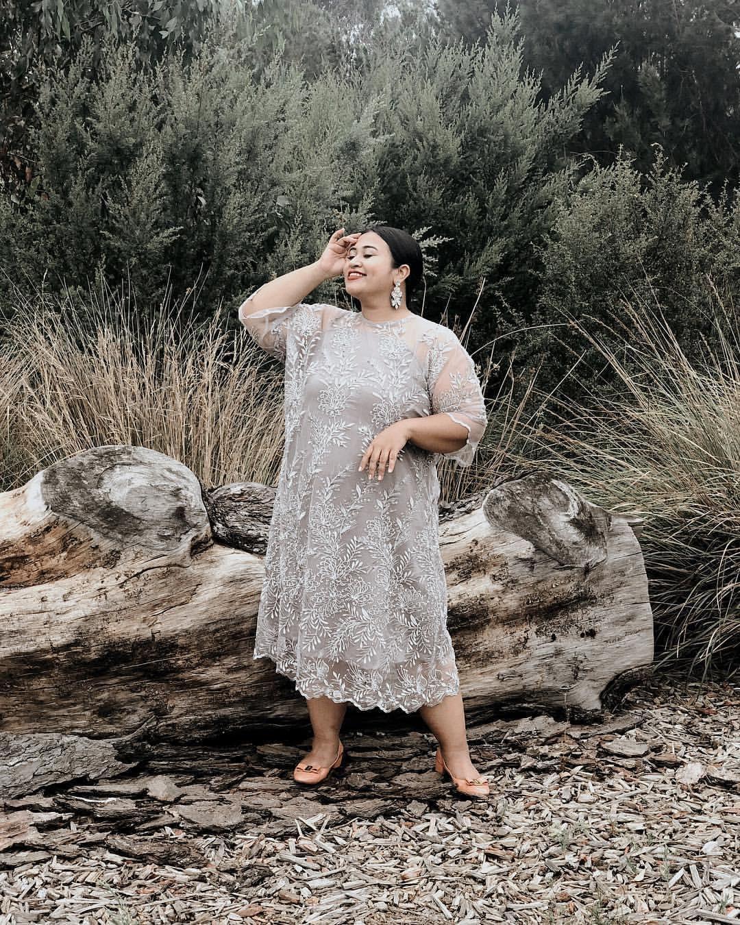 Inspirasi Fashion Kondangan untuk Tubuh Big Size ala Ucita Pohan