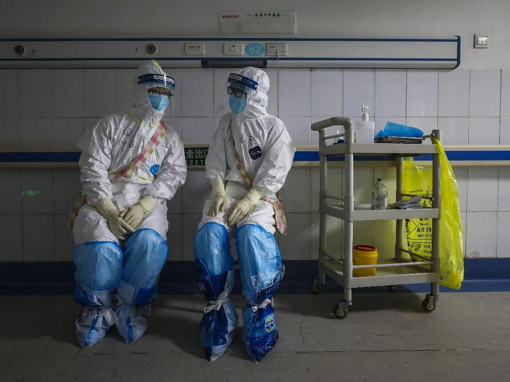 Parno Tertular Virus Corona, Suami Tega Mengunci Istri di Kamar Mandi