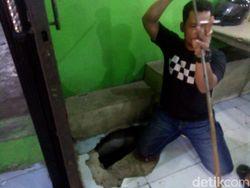 Asap dan Uap Panas Keluar dari Lantai Rumah Makan Gegerkan Warga Medan