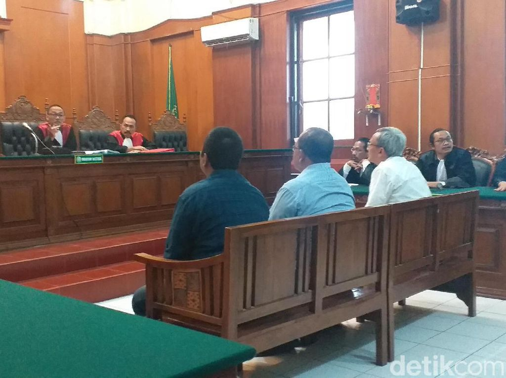Apa Alasan Jaksa Beri Tuntutan Denda untuk Terdakwa Jalan Gubeng Ambles