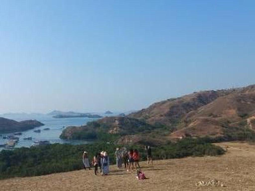 Silaturahmi ke Loh Buaya, Salah Satu Pulau Cantik TN Komodo