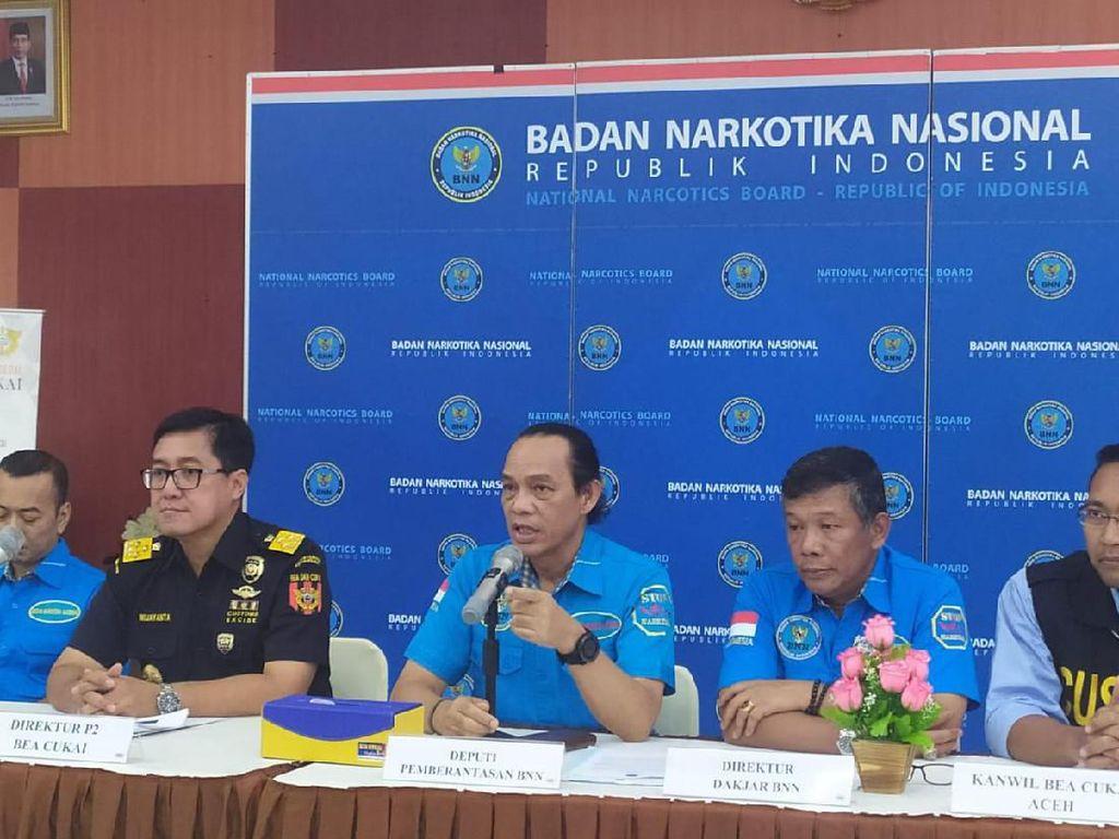 BNN Ungkap Penyelundupan 34 Kg Sabu-2.000 Pil Ekstasi Jaringan Malaysia