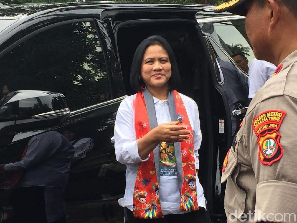 Iriana Jokowi Hadiri Temu Sapa Bersama Kemensos di Cipayung Jaktim