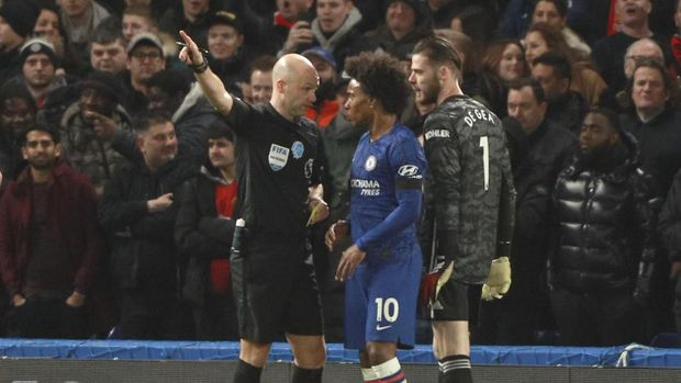 Wasit Anthony Taylor yang memimpin laga Chelsea vs MU.