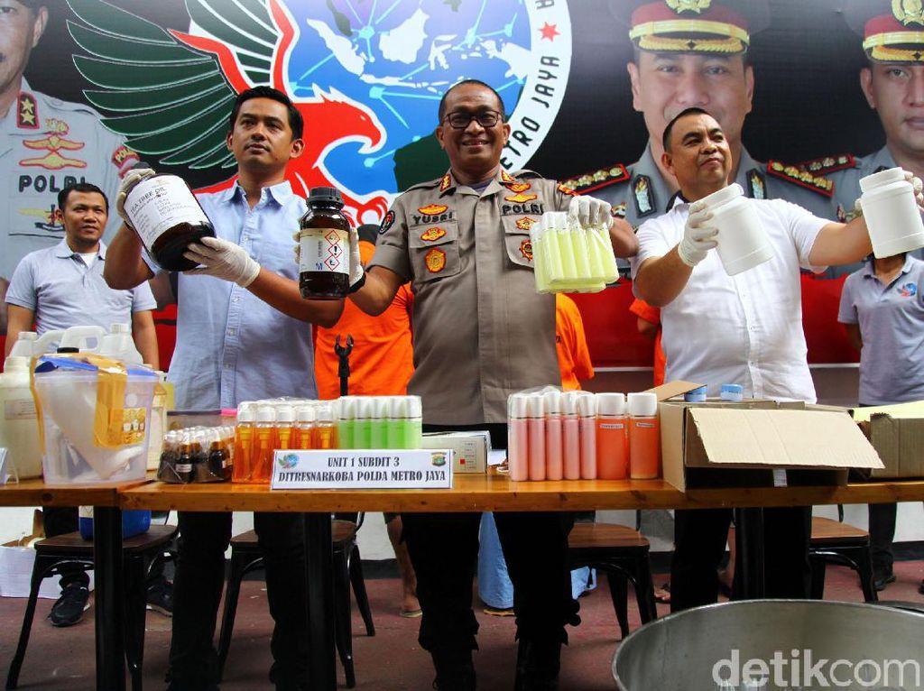 Pabrik Kosmetik Ilegal di Depok Dibongkar Polisi, Omzet Rp 200 Juta
