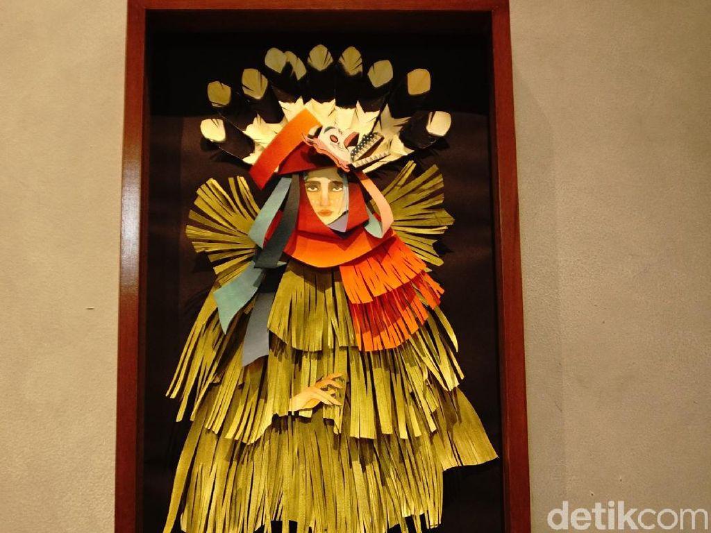 Uniknya Campuran Budaya Dayak di Karya-karya Liffi Wongso