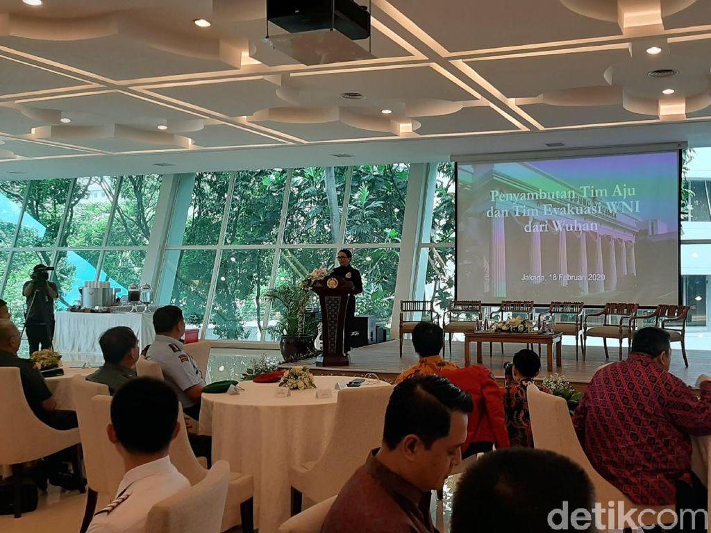 Ucapkan Terima Kasih, Menlu Terima Tim Penjemput WNI di Wuhan