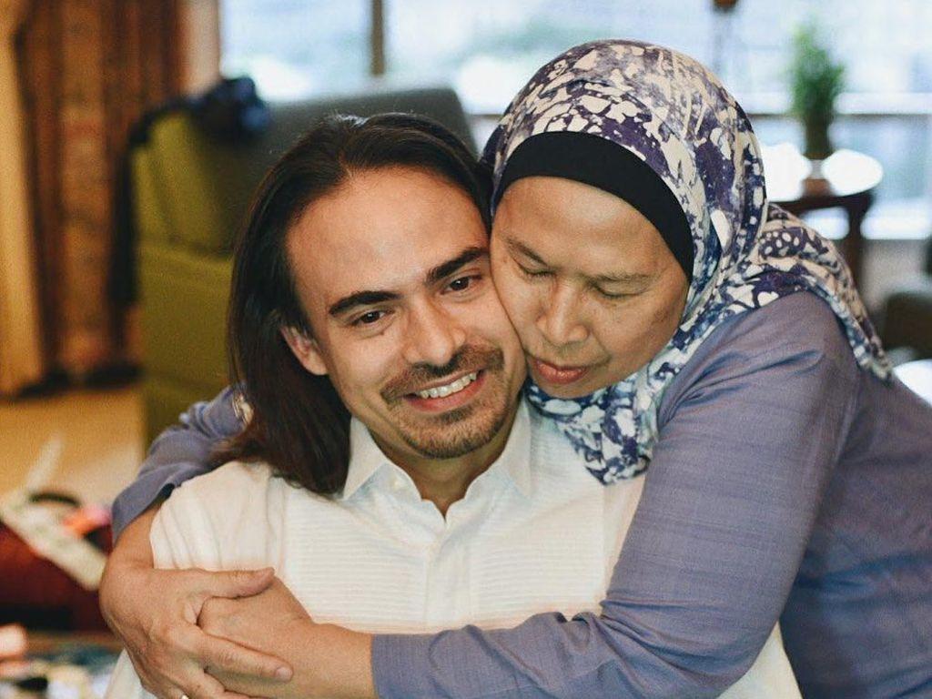 Ibunda Ashraf Sinclair Ajak Netizen Baca Al Fatihah untuk Almarhum