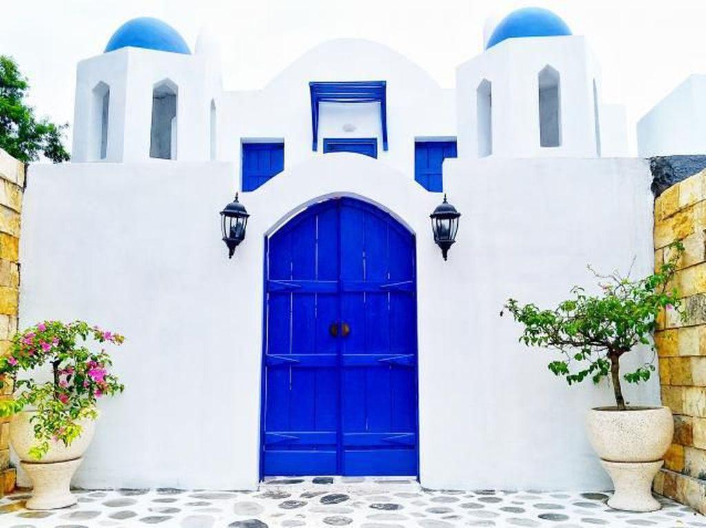 Wah, Cuma Modal Rp 30 Ribu Kamu Bisa ke Santorini Lho!