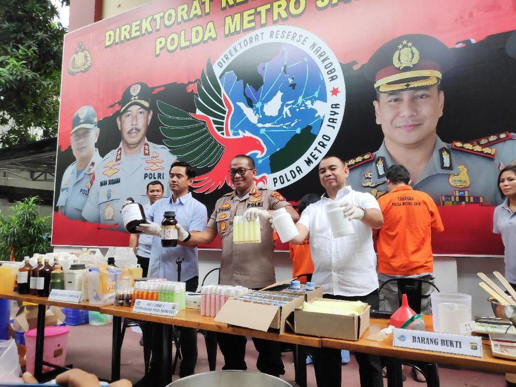 Polisi Buru Dokter yang Terima Produk dari Pabrik Kosmetik Ilegal Depok