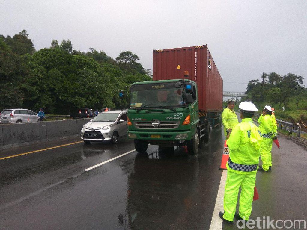 Dampak Perbaikan Tol Cipularang Km 118, Polisi Berlakukan Rekayasa Lalin