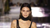 Ngenalin Nggak? Transformasi Wajah 7 Top Model Dunia Saat Kecil Vs. Dewasa