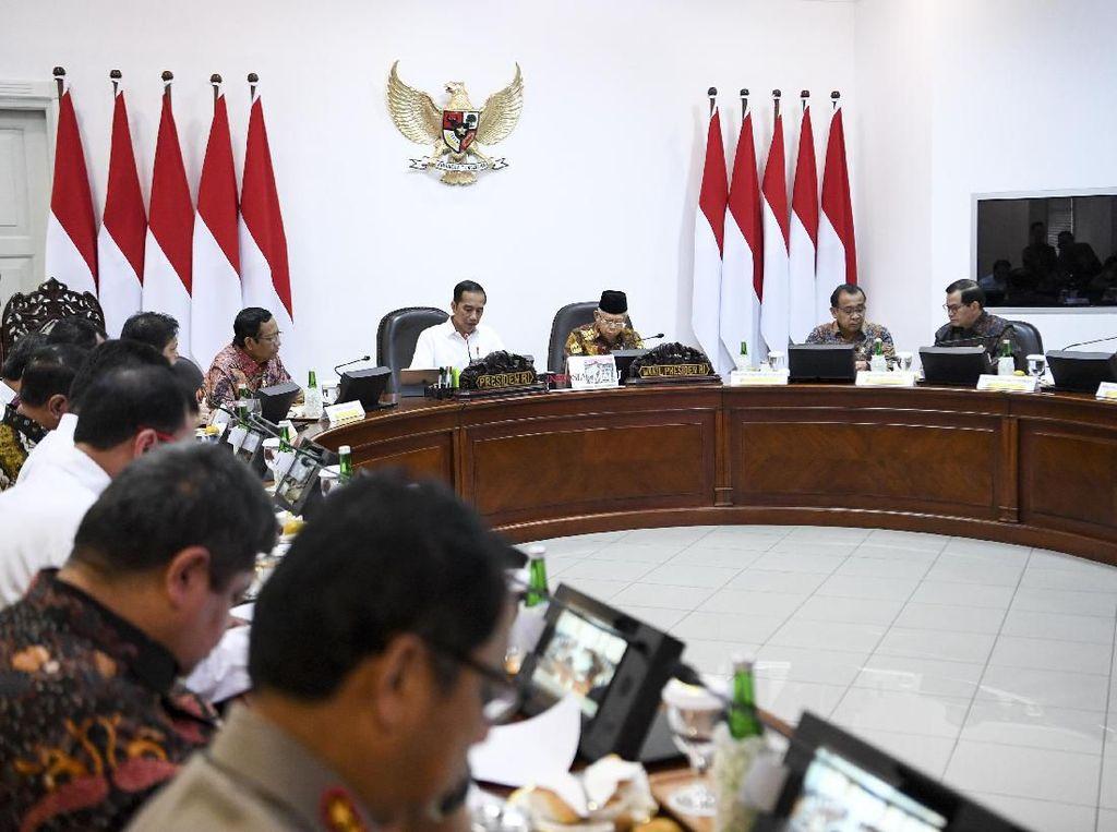 Kini Menteri Bikin Aturan Harus Sesuai Arahan Jokowi