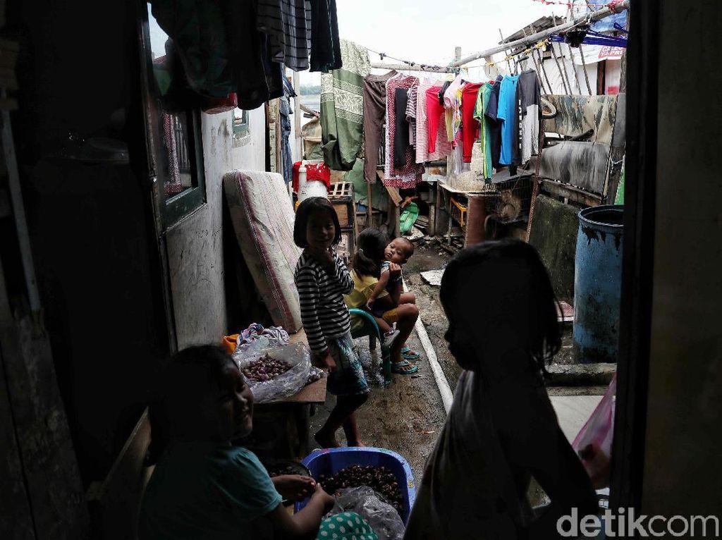 Waduh! 37 Juta Orang RI Diprediksi Jatuh Miskin Imbas Corona