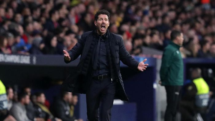 MADRID, SPAIN - FEBRUARY 18: Diego Simeone, Manager of Atletico Madrid reacts during the UEFA Champions League round of 16 first leg match between Atletico Madrid and Liverpool FC at Wanda Metropolitano on February 18, 2020 in Madrid, Spain. (Photo by Gonzalo Arroyo Moreno/Getty Images)
