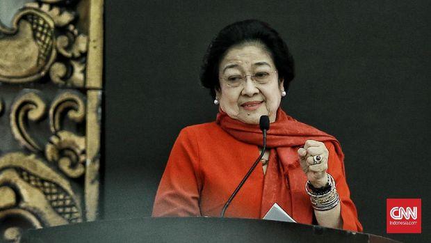 Ketua Umum PDI Perjuangan Megawati Soekarnoputri saat mengumumkan pasangan calon kepala daerah dan wakil kepala daerah Gelombang I di DPP PDI Perjuangan. Jakarta. Rabu (19/2/2020). CNN Indonesia/Andry Novelino