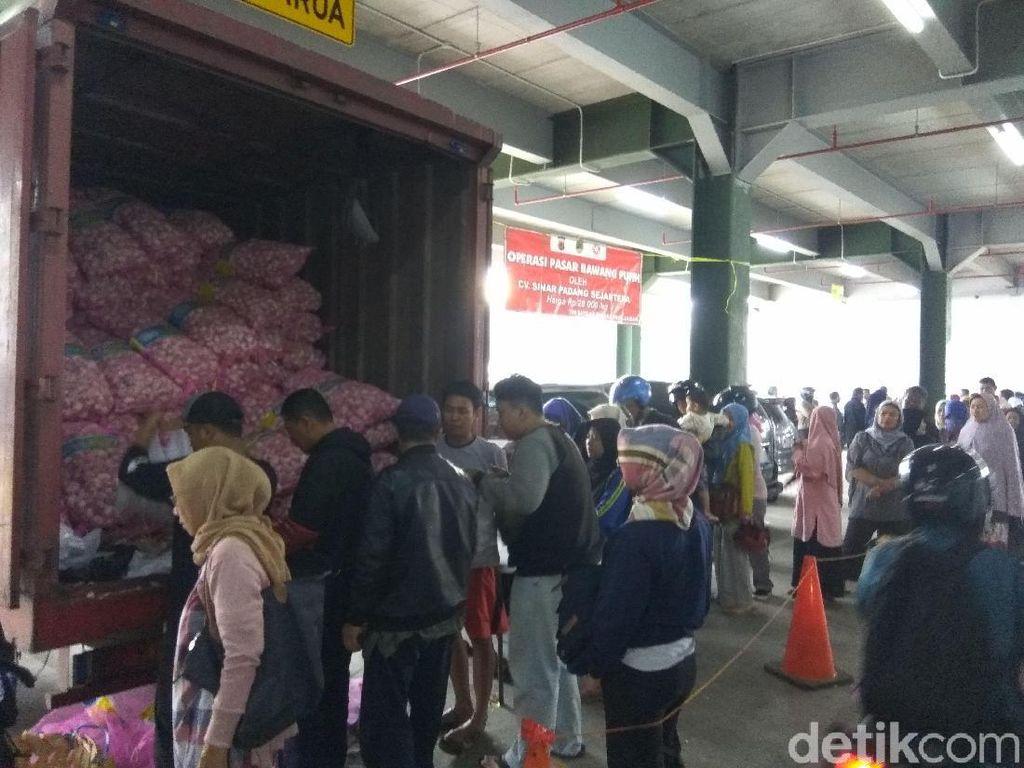Stabilkan Harga Bawang Putih, Pemprov Jabar Gelar Operasi Pasar di Cimahi