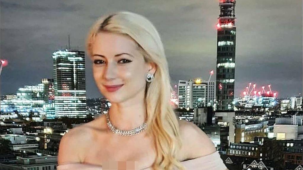 Sosok Bintang TV yang Ditangkap Polisi karena Pakai Bikini Lewati Masjid