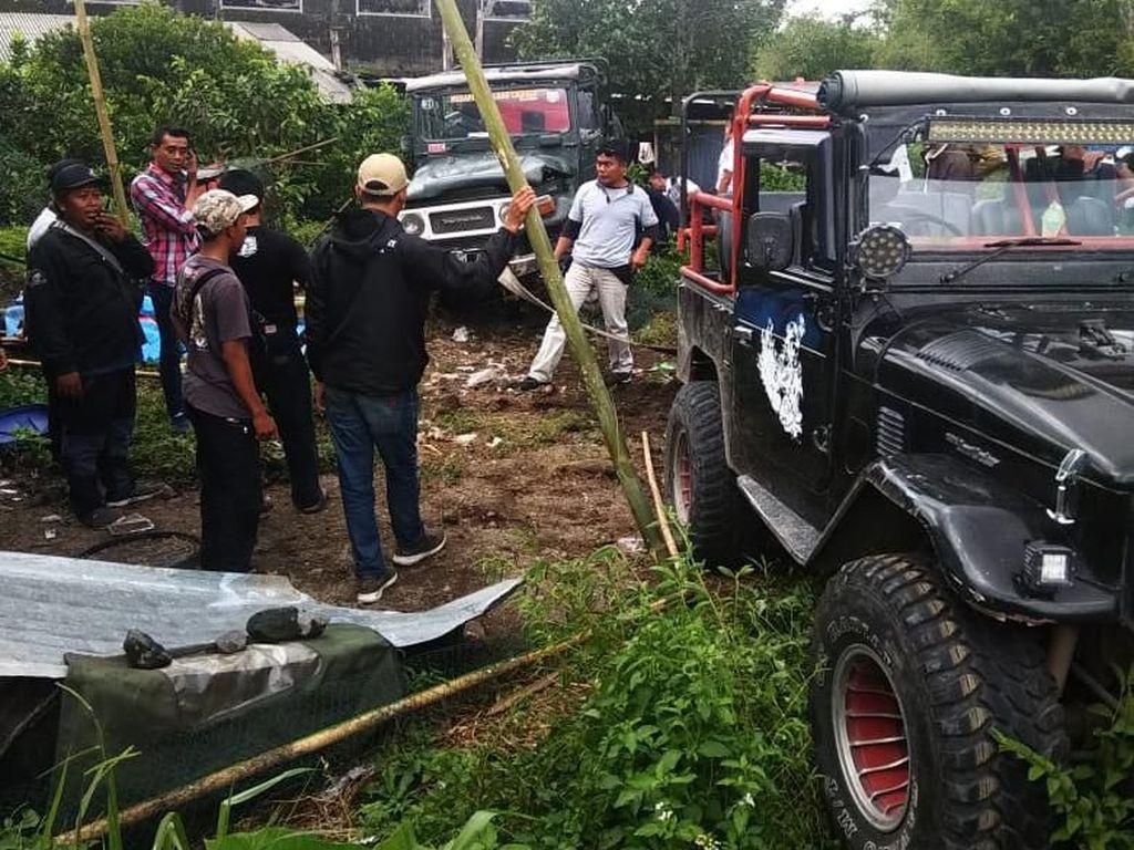 Jip Wisata Lava Tour Merapi Terperosok, 5 Wisatawan Terluka