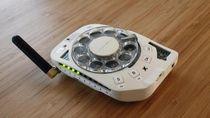 Wujud Ponsel Paling Aneh Sedunia
