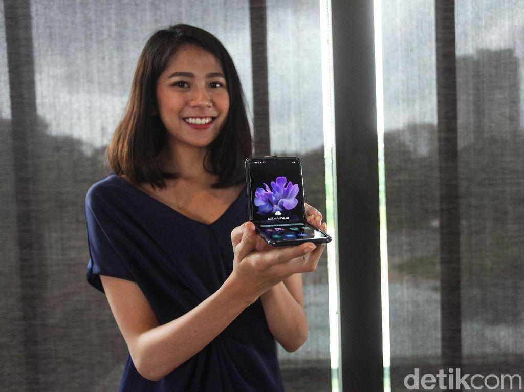 Menggenggam Ponsel Sultan Rp 21 Juta di Jakarta