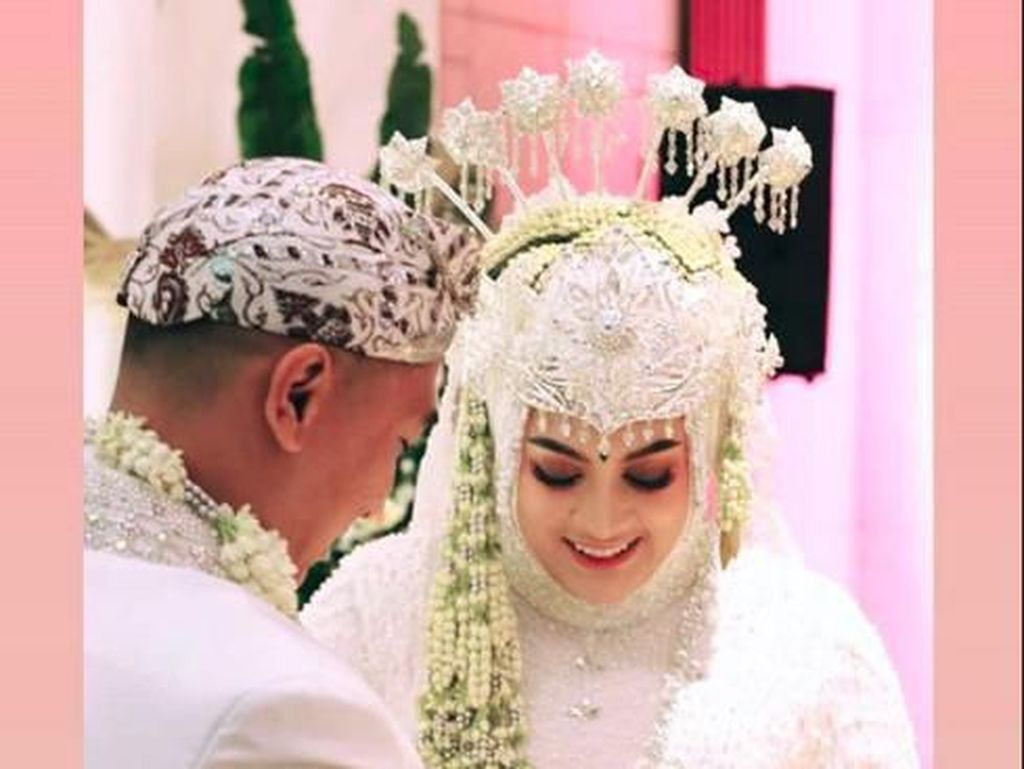 Jane Shalimar Resmi Menikah dengan Arsya Wijaya