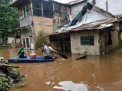 PAN-Golkar DKI Minta Anies Segera Susun SOP Baku Penanganan Banjir