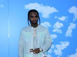 Pop Smoke Raih Top Billboard 200 Album, Ibunda Terima Piala