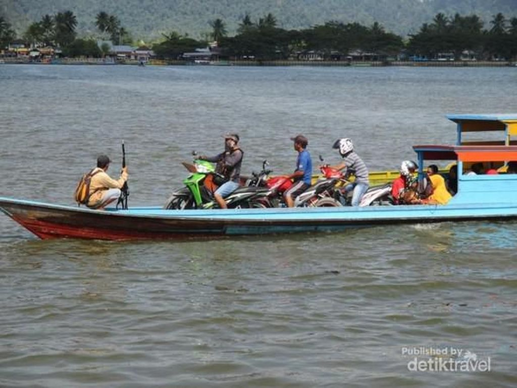 Di Provinsi Termuda Indonesia, ke Mana-mana Lewat Sungai