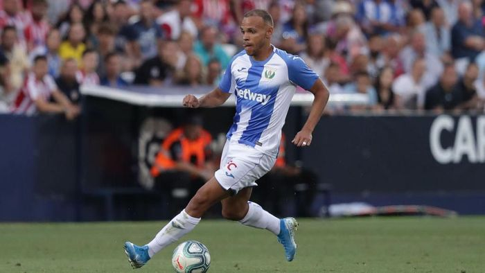 LEGANES, SPAIN - AUGUST 26: Martin Braithwaite Christensen of Deportivo Leganese controls the ball during the Liga match between CD Leganes and Club Atletico de Madrid at Estadio Municipal de Butarque on August 26, 2019 in Leganes, Spain. (Photo by Gonzalo Arroyo Moreno/Getty Images)