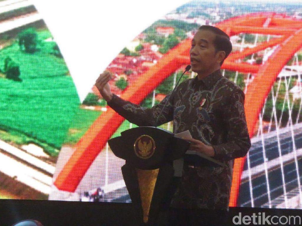 Jokowi Sebut Ibu Kota Baru Tak Banjir dan Macet, Hadirin Tertawa
