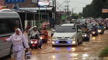 Diguyur Hujan Sejak Semalam, Sejumlah Titik di Pati Direndam Banjir